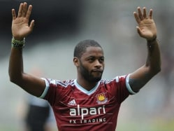 Barcelona F.C. Loan Alex Song to West Ham United