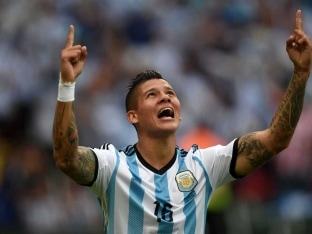 Marcos Rojo Must Wait for Manchester United Debut