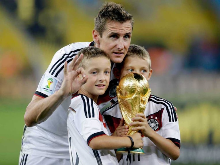 Miroslav Klose world cup trophy 1