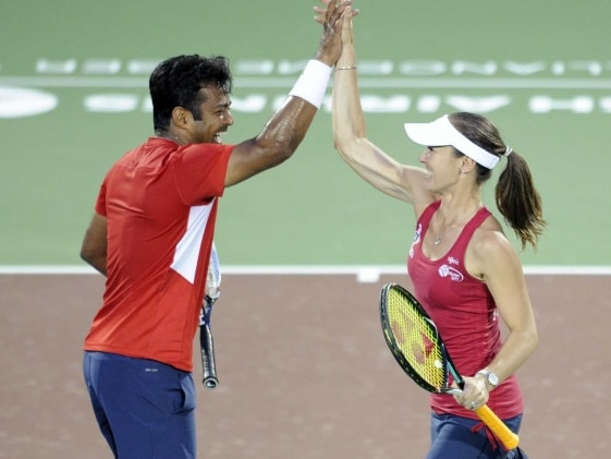 French Open: Leander Paes-Martina Hingis Enter Mixed Doubles Quarters