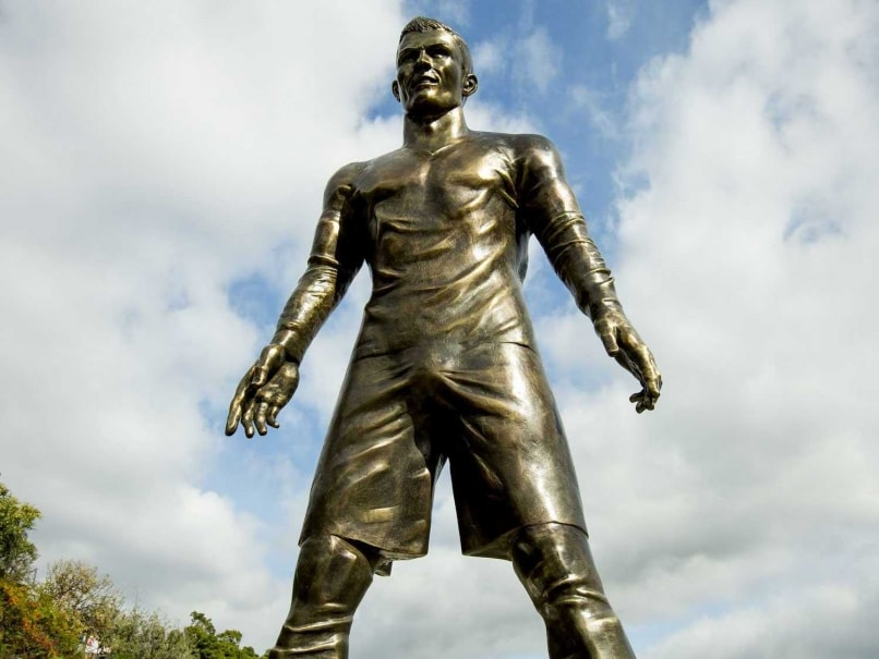 234996 Cristiano Ronaldo S Statue Has Bulky Lump In Pants Which Sparks  ments on ronaldo statue