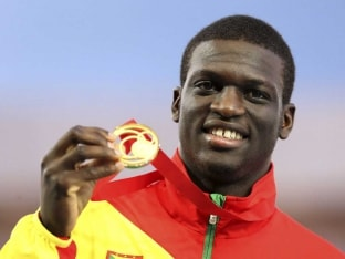 Olympic Champion Kirani James Breaks Drake Record in 400m