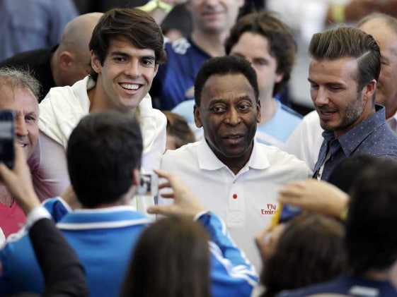 Pele Improving But Still on Dialysis, Says Hospital