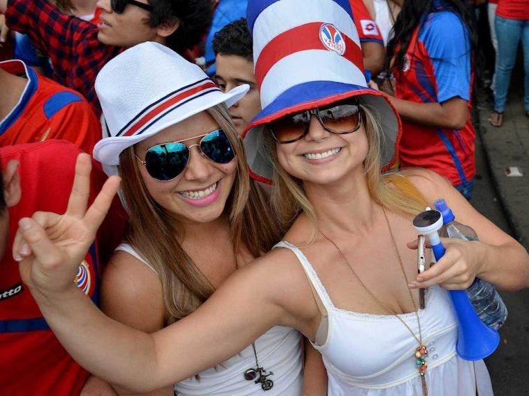 Costa Rica fans 4