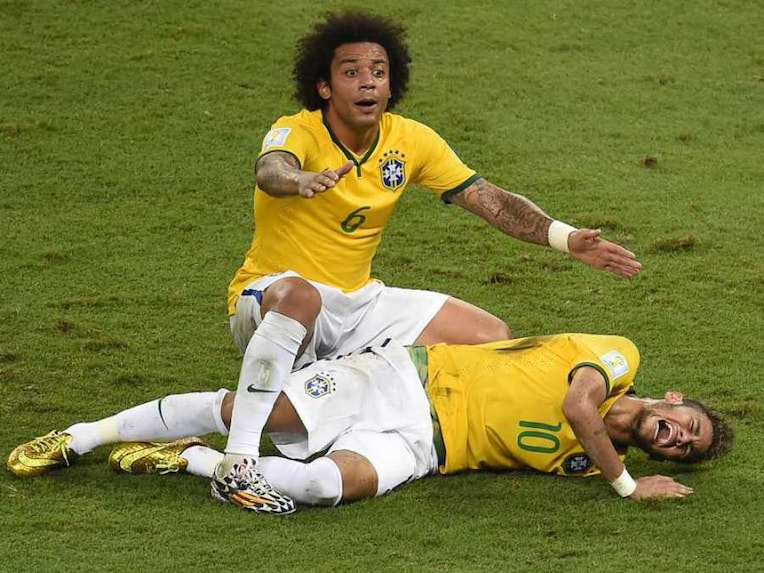 Neymar Falls Injured