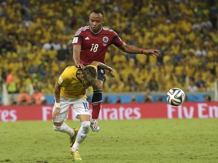 Neymar and Juan Zuniga