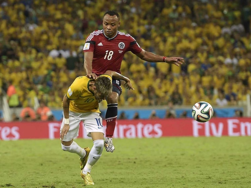 Neymar and Juan Zuniga