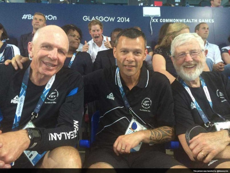 CWG: Britain's Prince Harry Joins Photobomb Craze