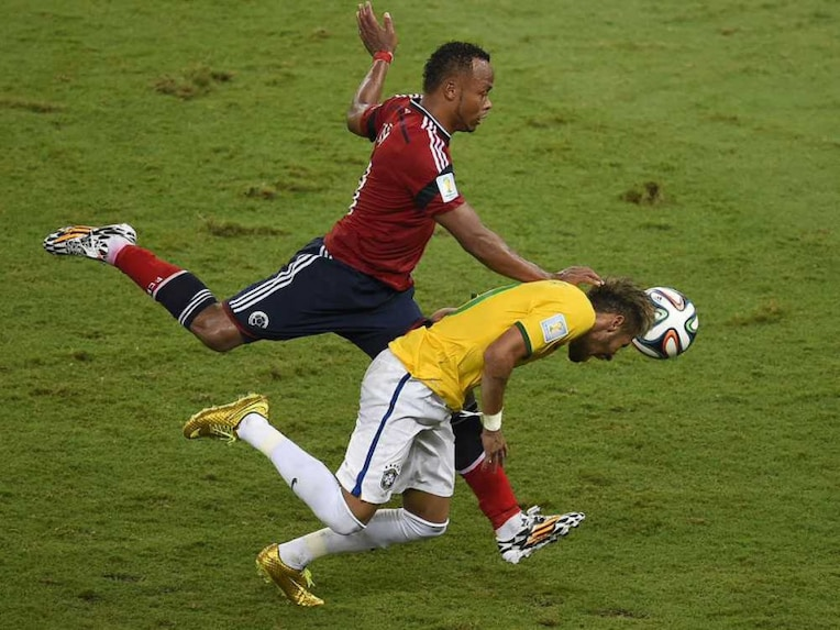 Zuniga Neymar FIFA World Cup