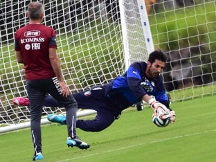 Italys goalkeeper Gianluigi Buffon in practice ahead of FIFA World Cup 2014