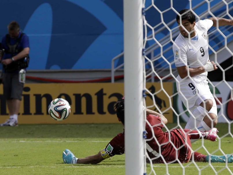 Luis Suarez vs Italy