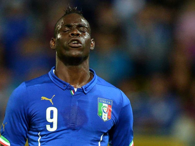 Mario Balotelli in Fresh Controversy, Poses With 'Shotgun'