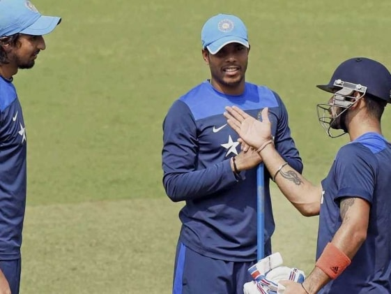 Kohli is Chilled Out, With Dhoni, it's a Bit Serious: Umesh