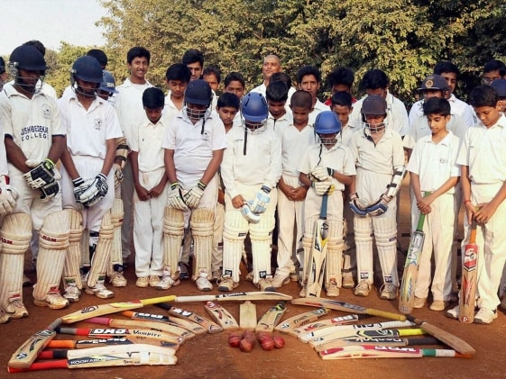 Phillip Hughes' Death: Sachin, Fans Pay Emotional Tribute