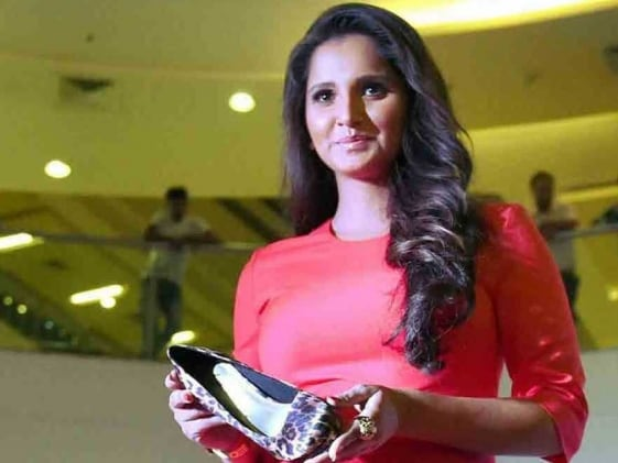 Sania Mirza Thrilled to Team Up With Roger Federer