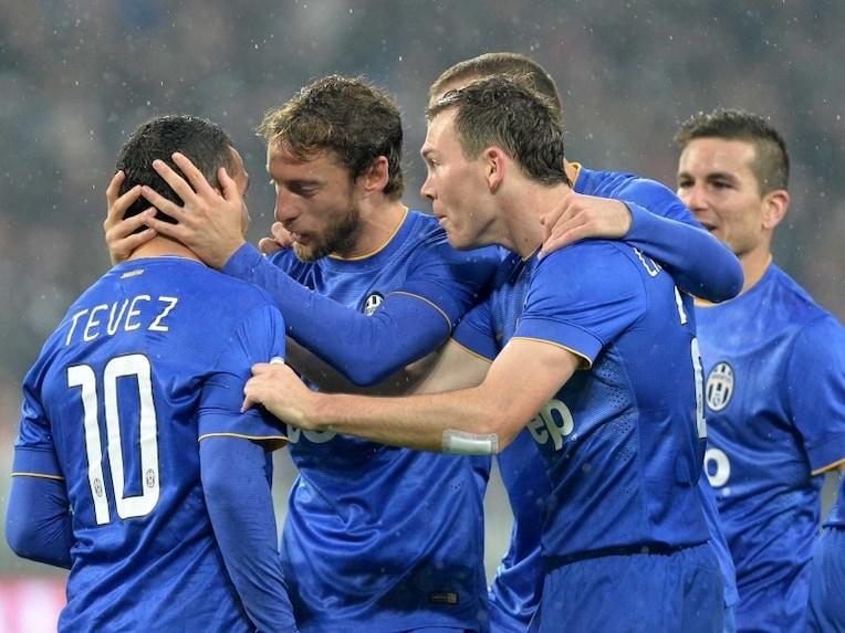 Carlos Tevez Juventus team