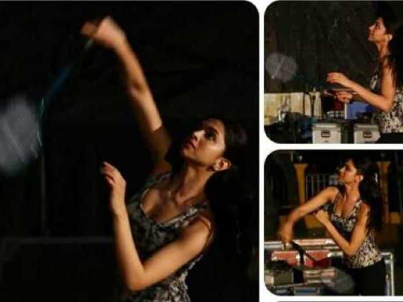 Deepika Padukone Badminton