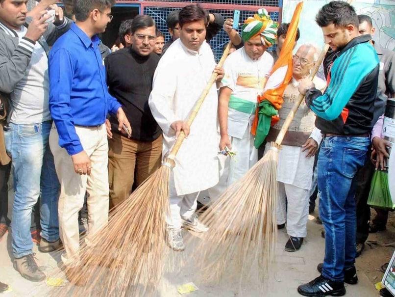 Suresh Raina Clean India Drive