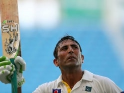 Younis Khan Unperturbed by English Pace Attack At Lord's
