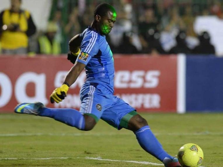 Senzo Meyiwa goalie