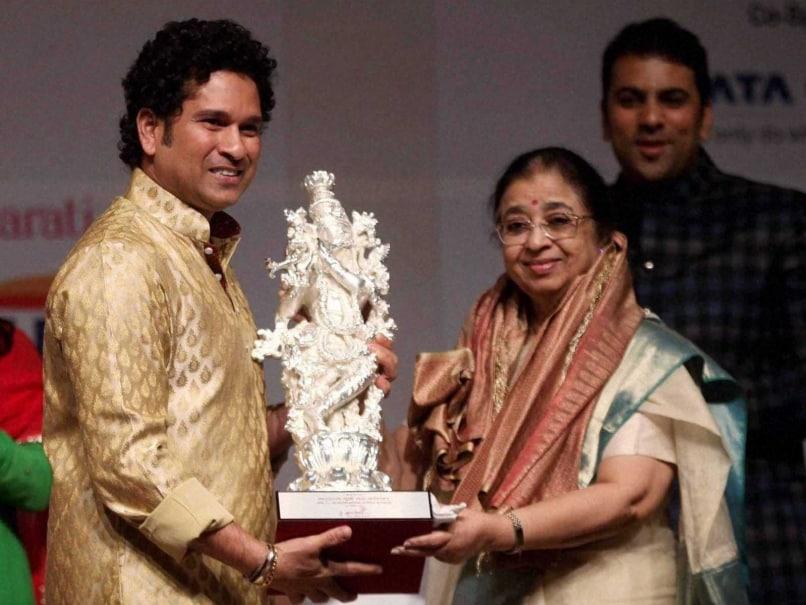 Sachin Tendulkar Usha Mangeshkar