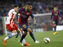 Barcelona's Dani Alves Out for a Month Due to Groin Injury