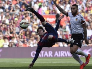 Lionel Messi Nets 400th Goal as FC Barcelona Beat Valencia