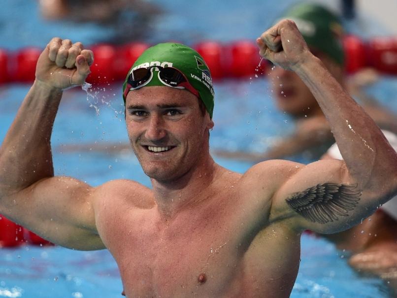 Cameron Van der Burgh Breaks 50m Breaststroke World Record