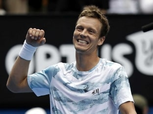 Tomas Berdych Stands in Way of Andy Murray's Fourth Australian Open Final