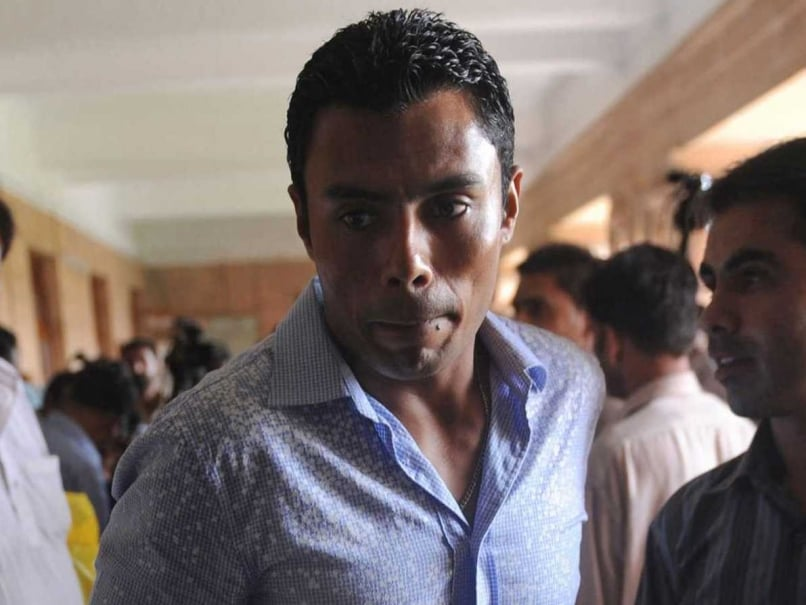 danish kaneria pakistan leg spinner - Danish Kaneria Hopes PCB Helps him to Pay Fine