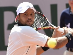 Jo-Wilfried Tsonga Loses Ground in Race to London With Early Exit at Austria Open