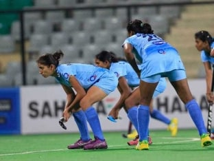 Indian Women's Hockey Team Lose 2-3 to United States in Opener