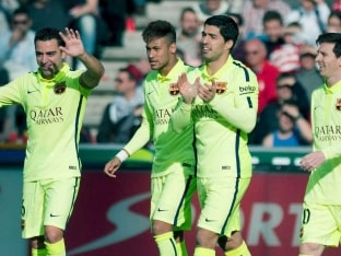 Luis Suarez, Lionel Messi Move Barcelona to Within a Point of Real Madrid