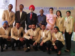 Balbir Singh Senior Conferred Lifetime Achievement Award by Hockey India