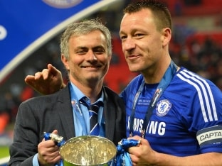 Chelsea F.C. Captain John Terry Signs One-Year Contract Extension