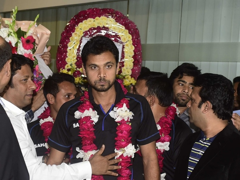 Cricket World Cup: Bangladesh Team Warmly Received by Adoring Fans