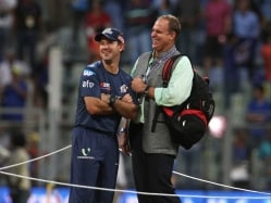 Hayden Criticises Shastri, Says He has Right to Talk on Cricket