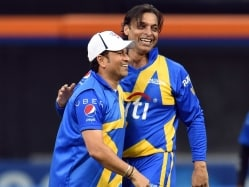 Shoaib Akhtar Pulls Out of Masters Champions League