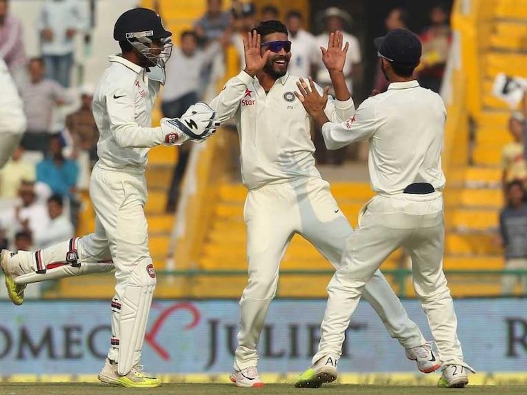 मोहाली टेस्ट में स्पिनर जीते, बल्लेबाज हारे