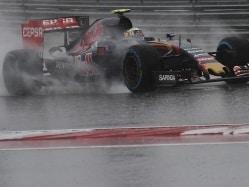 Carlos Sainz Crashes in United States GP Qualifying