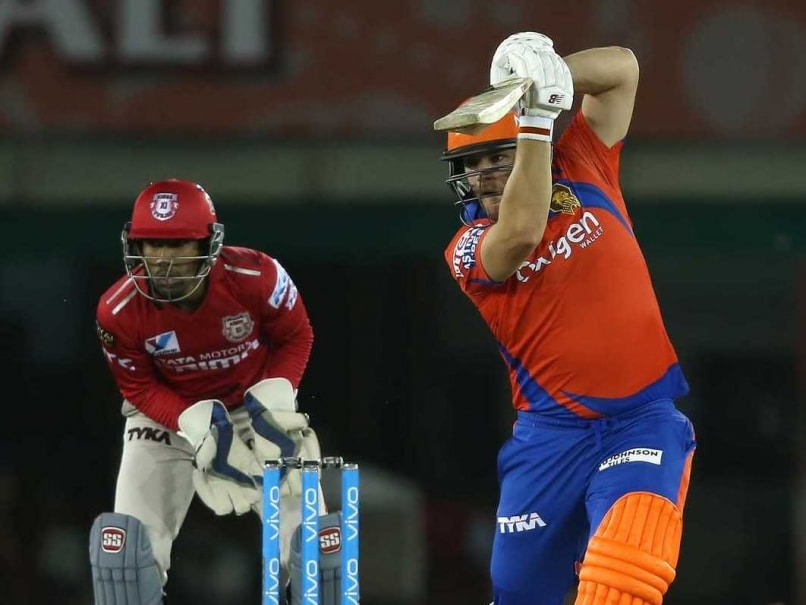 Bravo, Finch Ensure Gujarat Lions Begin IPL Journey With Easy Win