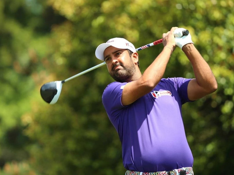 Shiv Kapur Closes In On Lead in Panasonic Open Championship