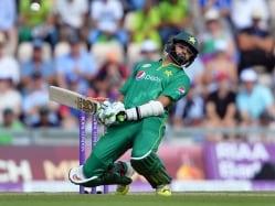 Former Pakistan Players Bat For Azhar Ali