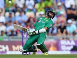 Former Pakistan Players Bat For Azhar Ali