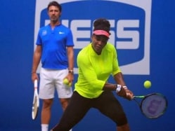 Serena Williams Shoulders Burden of History at 2016 US Open