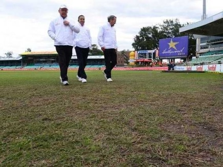 South Africa-New Zealand Test Abandoned, Players Frustrated Due to Wet Field