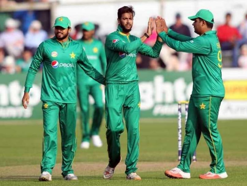 Pakistan make 251 in 2nd England ODI