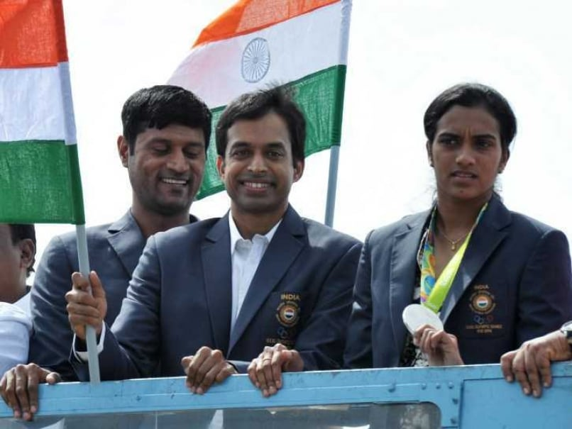 PV Sindhu, Coach Gopichand Return From Rio 2016 to Hero's Welcome in Hyderabad