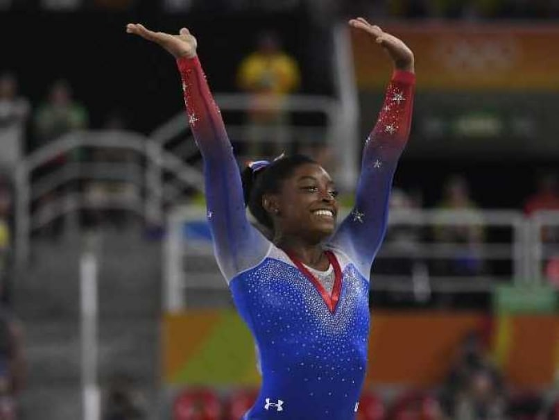 Simone Biles Wins Gold in Gymnastics Floor Final, Aly Raisman Takes Silver