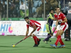 HIL: Dabang Mumbai Thrash Delhi Waveriders to Keep Semis Hopes Alive